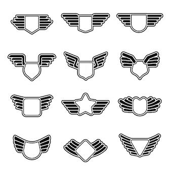Stilisierte geometrische armee schirmt leere luftfahrtembleme mit symbolen der flügel-firmenabzeichen ab.