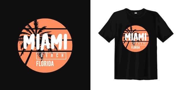 Stilvolles grafisches t-shirt miami beach florida mit sonnenuntergangspalmenschattenbild