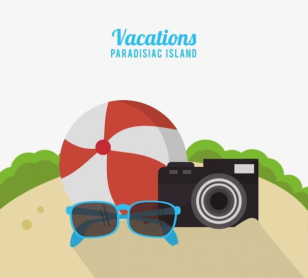 Strand-ballfoto-kamera-sonnenbrille der ferien paradiesische insel