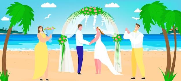 Strandhochzeit nahe meer, vektorillustration. romantischer paarbräutigam und brautcharakter stehen zusammen am bogen, glückliche ehe. beste mann- und frauenbrautjungfernperson am tropischen ufer des sommers.