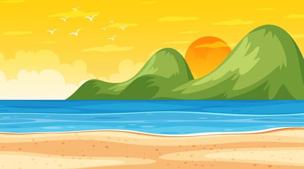 Strandlandschaft bei sonnenuntergang mit ozeanwelle