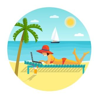 Strandszene. glückliches mädchen, das mit laptop auf der sonnenliege liegt. flache vektorgrafik