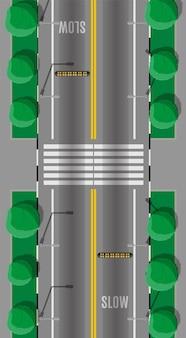 Straßenüberquerung mit geschwindigkeitsschwelle. moderne straßen und transportmittel. ansicht von oben.