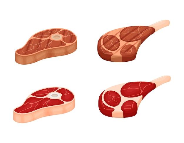 Stücke rohes fleisch mit fettschichten und gegrillten fleischkarikaturen auf weißem hintergrund