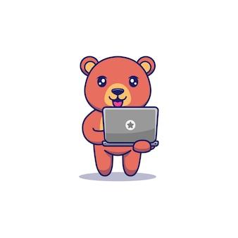 Süßer bär mit laptop