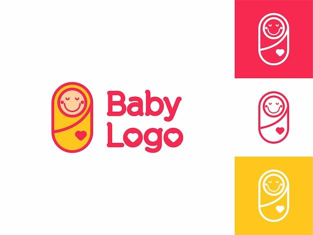 Süßes, glückliches kleines lächeln-baby-logo für pflegespielzeug und zubehörladen vektor-umriss-cartoon-stil