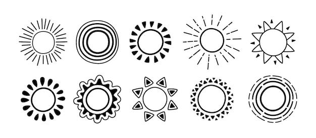 Sun black icon doodle set. sonne mit sonnenstrahlkarikaturskizze. grafische hand gezeichnete monochrome niedliche sonnen.
