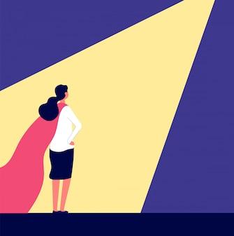 Superfrau. frau im roten umhang im rampenlicht, auswahl der kandidaten und auswahl der talente. karrierewachstum, rekrutierungskonzept