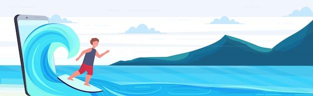 Surfer mann surfen auf welle kerl auf surfbrett sommeraktivitäten digitales technologie konzept berge seestück hintergrund smartphone bildschirm online mobile app in voller länge horizontal