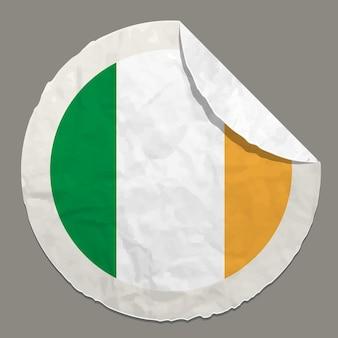 Symbol der irischen flagge auf einem papieretikett