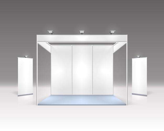 Szenenausstellung podium für präsentationen auf grau isoliert.