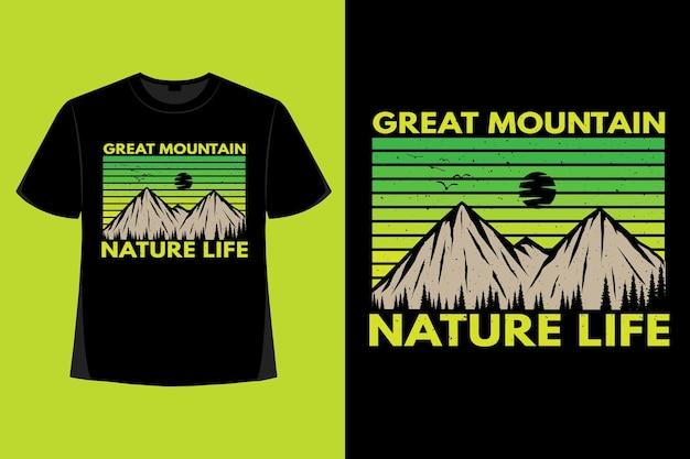 T-shirt-design der handgezeichneten vintage-illustration des großen bergnaturlebens
