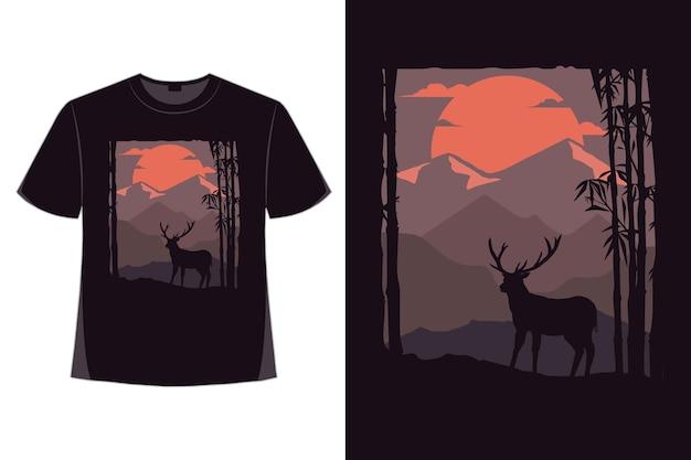 T-shirt design der natur berg nacht mond hirsch handgezeichnete stil vintage illustration Premium Vektoren