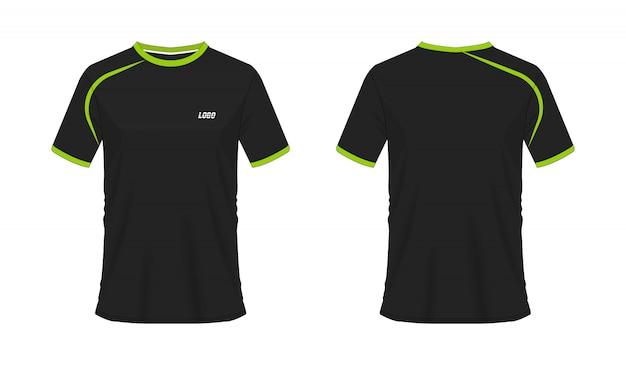 T-shirt grüner und schwarzer fußball oder fußballschablone für mannschaftsverein auf weißem hintergrund. jersey sport