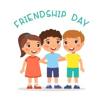 Tag der freundschaft zwei süße kleine jungen und mädchen umarmen lustige zeichentrickfiguren