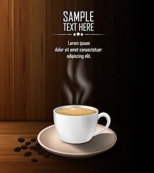 Tasse kaffee mit kaffeebohnen auf einem holztisch