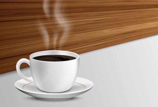 Tasse kaffee mit rauche auf einem holztisch