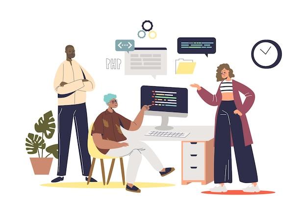 Team von webentwicklern und programmierern, die gemeinsam am projekt arbeiten