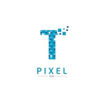 Technologie-logo des buchstaben t mit pixel-symbol