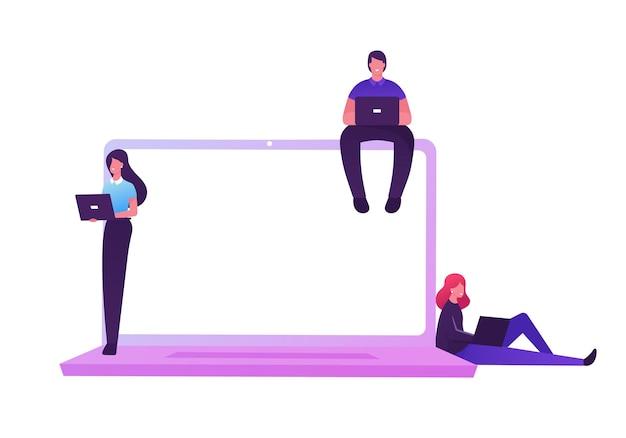 Technologiekonzept für virtuelle maschinen. männliche und weibliche charaktere, die am pc am riesigen laptop arbeiten