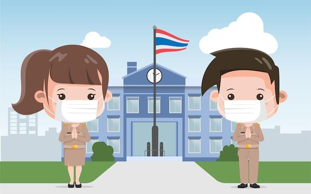 Thailändischer lehrer, der maskengruß mit thailändischem wai trägt. neuer normaler lebensstil regierungscharakter. bangkok thailand lebensstil menschen.