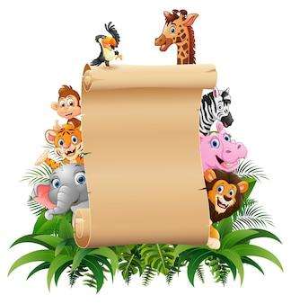 Tiere mit einem leeren zeichenpapier