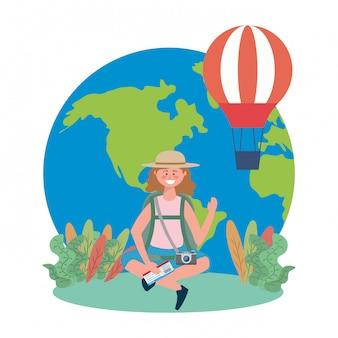 Touristische mädchenkarikatur mit taschendesign