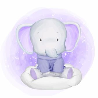 Tragende strickjacke des baby-elefanten auf wolke