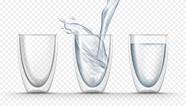 Transparente glasbecher mit frischem wasser im realistischen stil