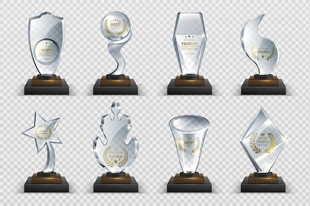 Transparente trophäen. realistische kristallglaspreise mit text, isolierten wettbewerbsbechern, sternen und preisen. vektorillustration