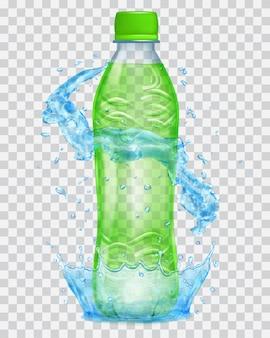 Transparente wasserkrone und wasserspritzer in hellblauen farben um eine transparente plastikflasche mit grünem verschluss, gefüllt mit grünem saft. transparenz nur in vektordatei