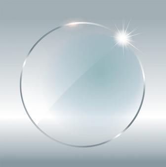 Transparenter runder kreis. durchsichtiges element auf kariertem hintergrund. plastikbanner mit reflexion und schatten. glasteller .
