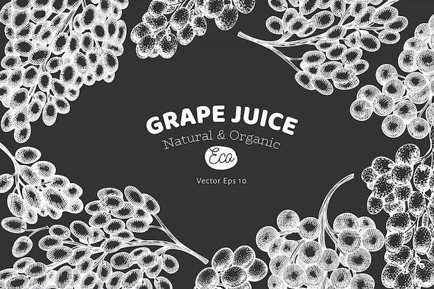 Traubendesign. hand gezeichnete weintraubenbeerenillustration auf kreidetafel. retro botanisch im gravierten stil