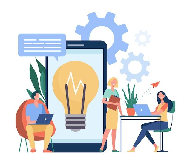 Treffen von geschäftsleuten im co-working-space. business-team ideen austauschen und projekt diskutieren. für arbeitsplatz, kommunikation, brainstorming, zusammenarbeit