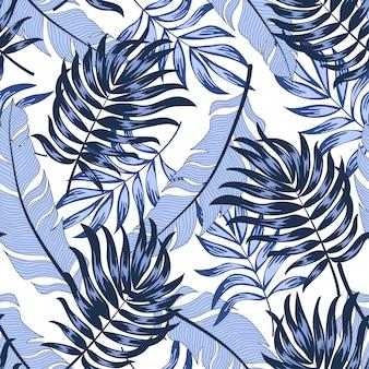 Trendy nahtloses tropisches muster mit hellen pflanzen und blättern auf einem weißen hintergrund