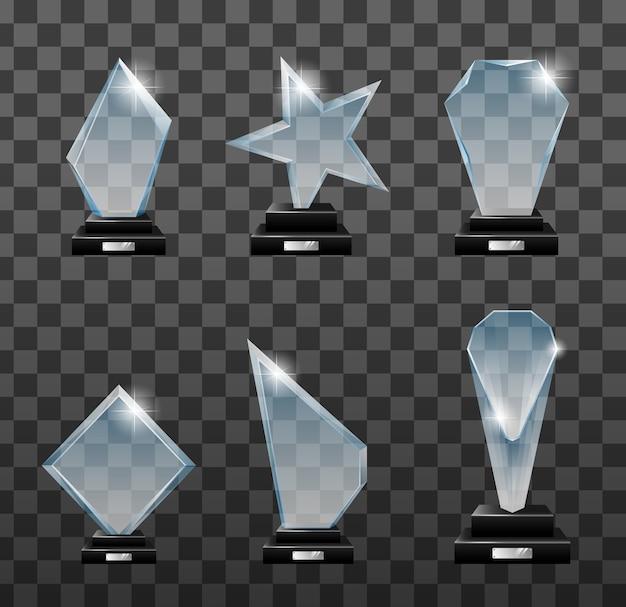Trophäen realistisch gesetzt. kristallpreise. belohnungen des wettbewerbssiegers. preis für leere glas-trophäen. glänzende transparente trophäe zur veranschaulichung