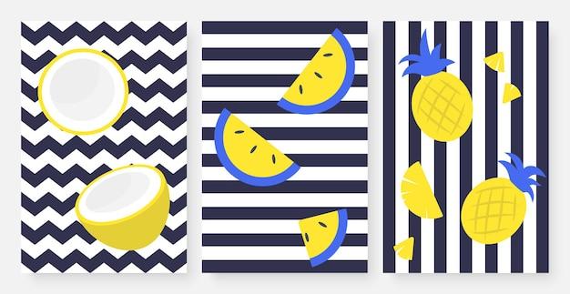 Tropische früchte auf gestreiften schwarz-weiß gesetzten gelben zitronen-ananas-scheiben und -streifen
