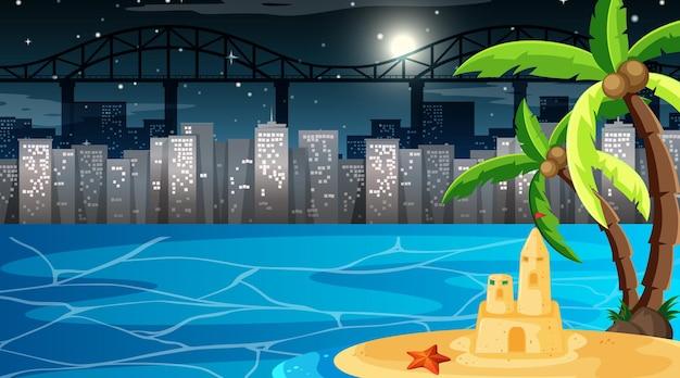 Tropische strandlandschaft bei nachtszene mit stadtbildhintergrund