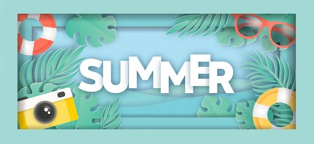Tropisches sommerverkaufsbanner mit sommerelementen im papierschnittstil