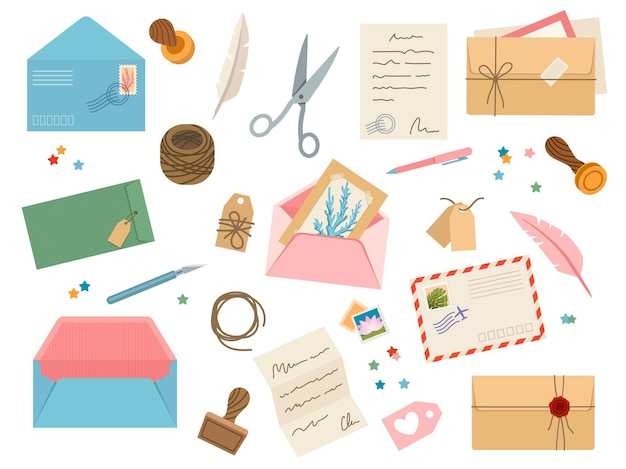 Umschläge mit poststempeln. vintage papierpostbriefe mit briefmarke, karten, siegellack, schere, schnur, tags und stiften. posten sie den vektorsatz des umschlags und der postkarte für die korrespondenzillustration