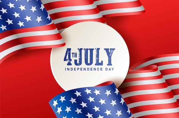 Unabhängiger tag des 4. juli mit zahlen zwischen den amerikanischen flaggen.