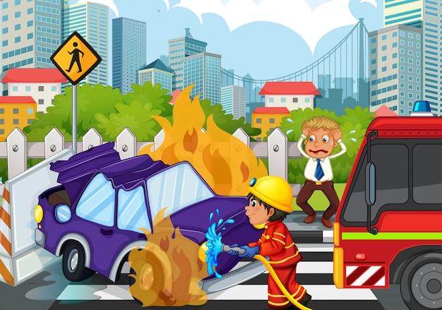 Unfallszene mit feuerwehrmann und brennendem auto