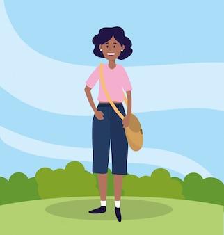 Universitätsfrau mit freizeitkleidung und tasche