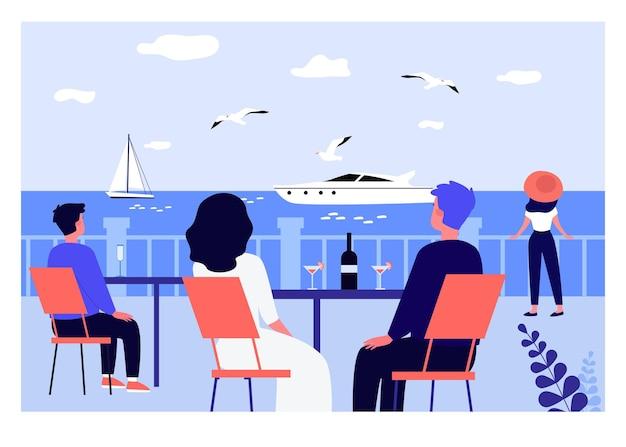 Urlauber sitzen an restauranttischen und betrachten segel. männer und frauen trinken wein und champagner flache vektorgrafiken. urlaub, sommerreise, badeortkonzept