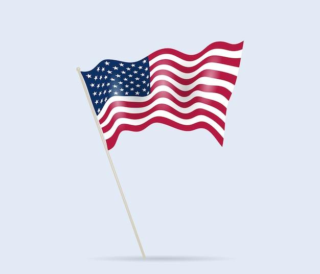 Usa-flagge auf fahnenmast, der im wind weht.