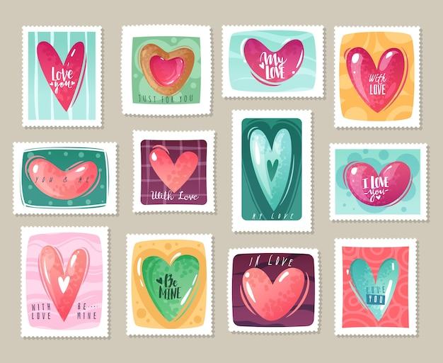 Valentinstag cartoon herzen briefmarken gesetzt. satz briefmarken mit dekorativen herzen und schriftzug zum thema valentinstag.
