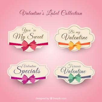 Valentinstag-etiketten mit bändern in verschiedenen farben