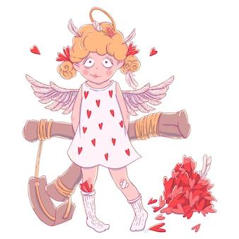 Valentinstag. freches nettes lockiges amor-mädchen mit schleuder hinter ihrem rücken, flügeln und heiligenschein.
