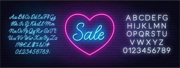 Valentinstag verkauf neon design. sign sale in einem herzförmigen rahmen.