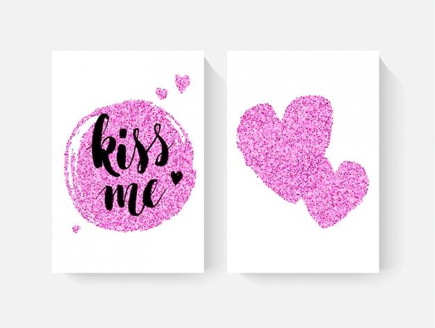 Valentinstagskarten mit handbemalten lettring und pinkfarbenen glitzer-details